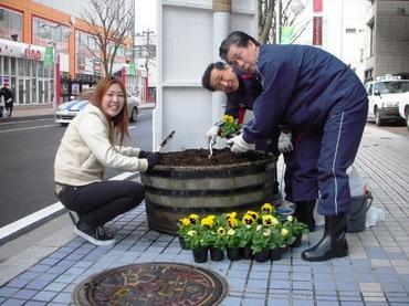 2010.04.24花植え-hp.jpg