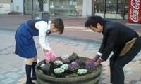 花植え23.4.29-2.jpg